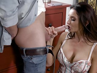 Silvia Saige is enlightened by refreshing sex in a younger man