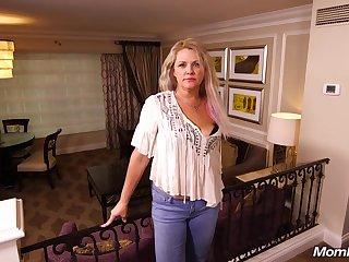 Blonde Mom Kinsley 44 Discretion Aged Hardcore