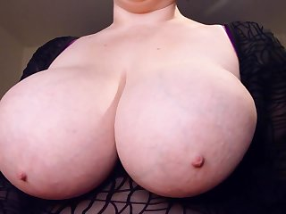 hot chubby brunette mom exposing incompetent tits with big nipples - zooid boobs