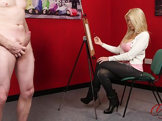 CFNM video of sexy Emma C painting a unshod male model. HD