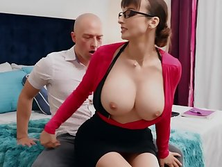 Nerdy MILF with big tits thinks sex is be transferred to best therapy for stud