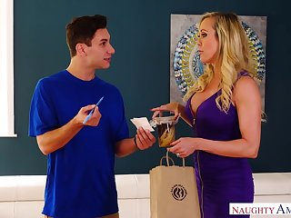 Delivery boy has the honor to lick and fuck pussy of sexy elder woman Brandi Love