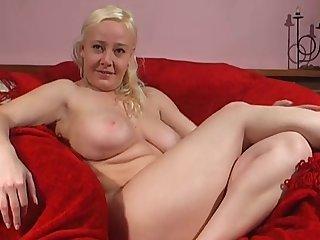 Closeup sheet of chubby blondie Alyssa Jenkins pleasuring the brush pussy