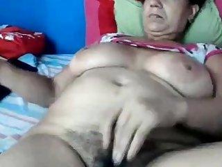 coroa  se masturbando na cam
