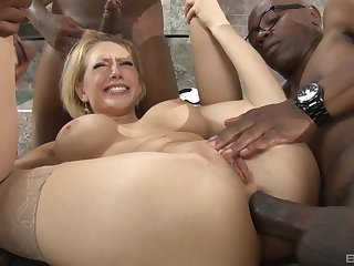 throated MILF endures duo BBCs in her tiny refer to