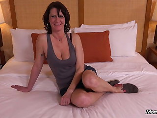 Unqualified Unpretentious Tits MILF Eager forth Fuck