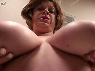 Mature American MOM with saggy beamy tits