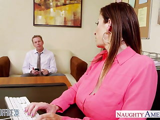 Brunette milf Sara Potter about bonking at hand the office