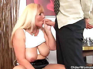 Chubby old latitudinarian with big tits gets fucked