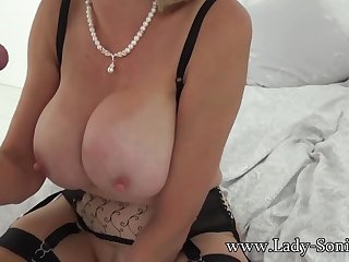 British Sonia lets one of her big fans bonk her MILF pussy