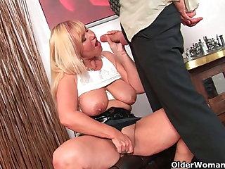 Slutty grandma sucks cock and gets a indiscretion full of cum