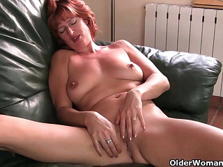 British milf Liddy masturbates and gets be sorry for fucked