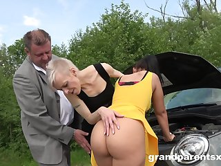 Old coupled with young couple fucking together in chum around with annoy outdoor second-rate video