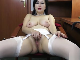 Wanilianna Masturbates for you up ahead office