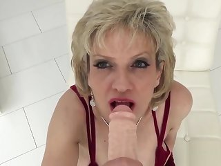Unfaithful english milf lady sonia displays her enormous breasts