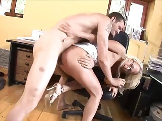 Carla Cox is sucking cock while at move together with getting it inside her perfectly shaved pussy