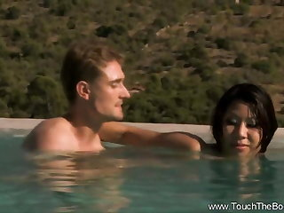 Lover sUnite In Passion Outside In Asia