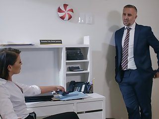 Man in suit comes and fucks this intrigue woman right in say no to office