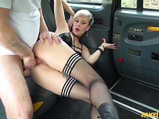 Surprise fuck between slutty Tanya Virago and her taxi driver