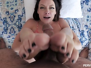 Sexual delight in POV with a spicy ass mom