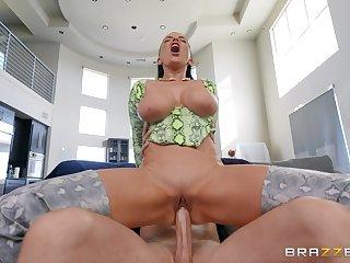 Ravishing Romi Rain works very hard for her salty cum reward