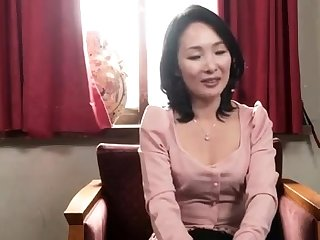 Bigass asian milf in her lingerie facialized