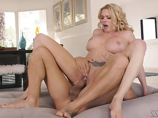 Stacked starlet Briana Banks reminds us why she's one of the trounce