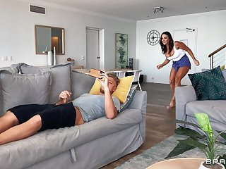 Sneaky MILF Aubrey Black makes an unconventional sexual choice