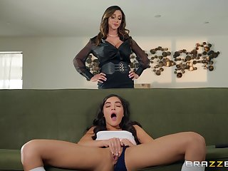 Taboo lesbian hookup be incumbent on fetching females Ariella Ferrera and Emily Willis