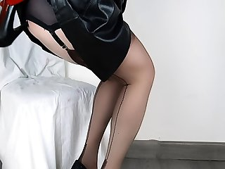 Lady Gunfighter Lovely Anal Shoe Fuck