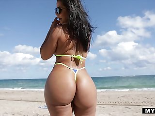 With a sex drive painless big painless her phat ass Rose Monroe fucks like a champ